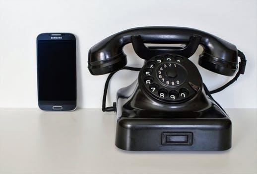 SMS vs Phone Calls